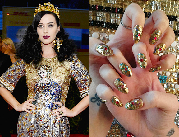 katy-perry-met-gala-nail-art