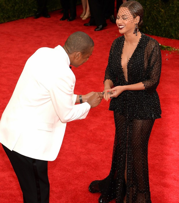 met_ball_beyonce-jay-z-ring-met-ball-jpg